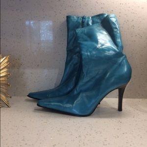 Metallic blue mid calf heel boots 💙